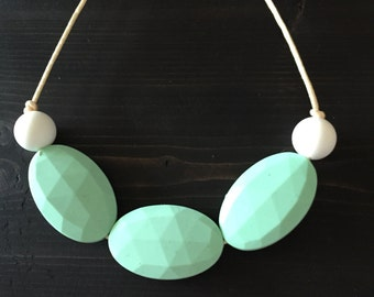 The Mint-To-Be Teether Necklace
