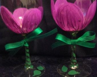 2 piece Purple Hand Painted Wine Glass Set