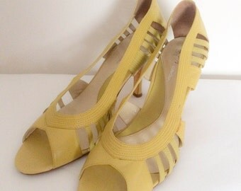 1980s Yellow High Heels Vintage