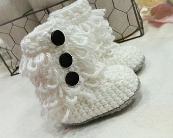 Infant loop booties. 0-6 months