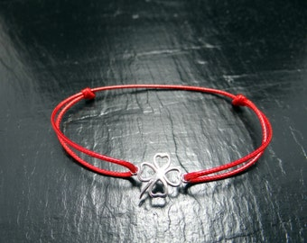 Bracelet silver clover and red waxed polyester cord