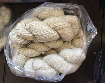 Yarn, Icelandic, white/off white