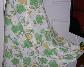 Vintage original 1960's green & white polyester flower power A-line button-through skirt size: large