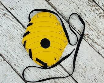 Summer Sale Beehive Lacing Card