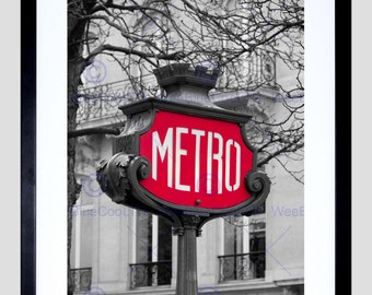 how to get to moulin rouge by metro