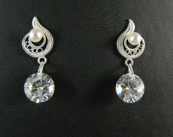 Fine 999 silver filigree. Perfect bride earrings.