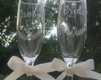 Etched Champagne Flutes, Bride and Groom Champagne Glasses, Etched Toasting Flutes, Rustic Champagne Glasses, Rustic Wedding Champagne Flute