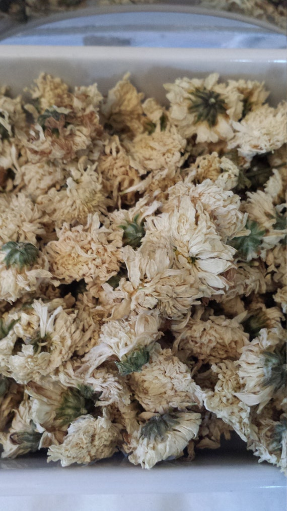 how to make candles with dried flowers