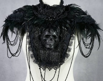 Skull collar with feather shoulder pads - skull collar with spring shoulders