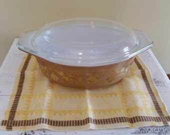 Vintage Pyrex Early American Pattern 1 1/2 Quart Casserole Dish
