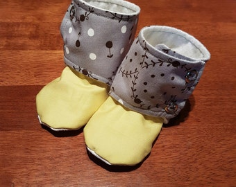 Baby 'Stay on' Booties Size 9-12 months