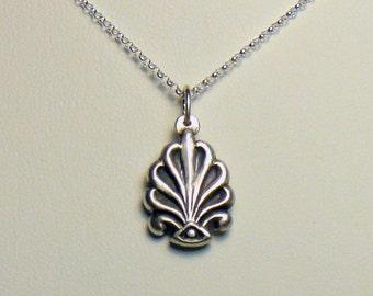 Silver acanthus pendant