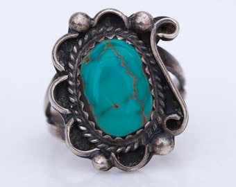 Vintage 1970s Southwestern Turquoise and Silver Ring
