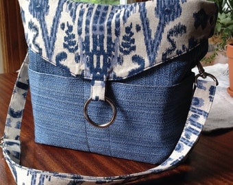 Hand-made, fully reversible purse