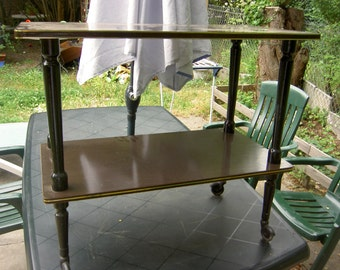 Extra vintage wheel table