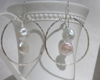 Hand hammered silver plated wire with 2 coin pearls