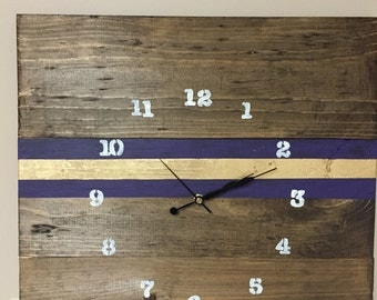Vikings clock