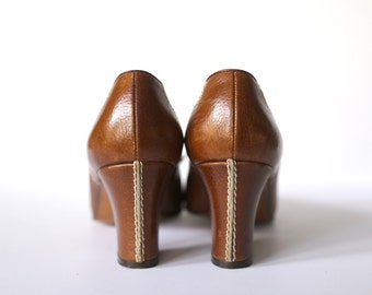Amalfi by Rangoni Sz 7B Brown Vintage All-Leather Heels Made in Florence Italy 1960s/1970s Lace-up
