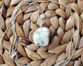 The Howlite Pendant Wire Wrapped Necklace