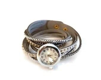 Wrist watch grey