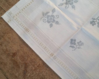 White and Delft blue German cotton table runner. Long vintage Table runner.
