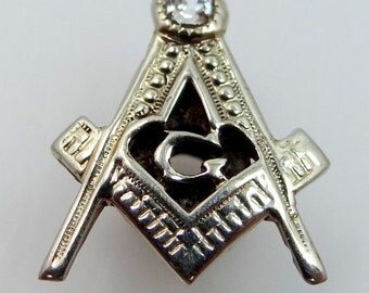 Art Deco 14k White Gold and Diamond Masonic Collar Button