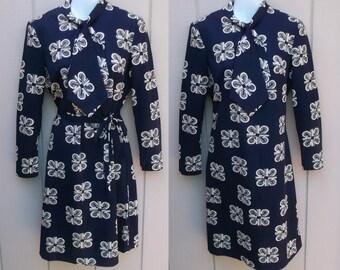 Vintage 70s NOVELTY PRINT Navy Blue Grecian abstract print Secretary Scarf Tie A-Line Dress // GREEK Pattern Columns // Sz Med - Lge