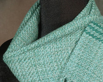 Handwoven scarf / wool scarf / winter scarf / green scarf