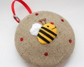 CLOSING SALE 2014 Merry Bee Hand Embroidered Christmas Tree Keepsake Decoration Ornament Bauble