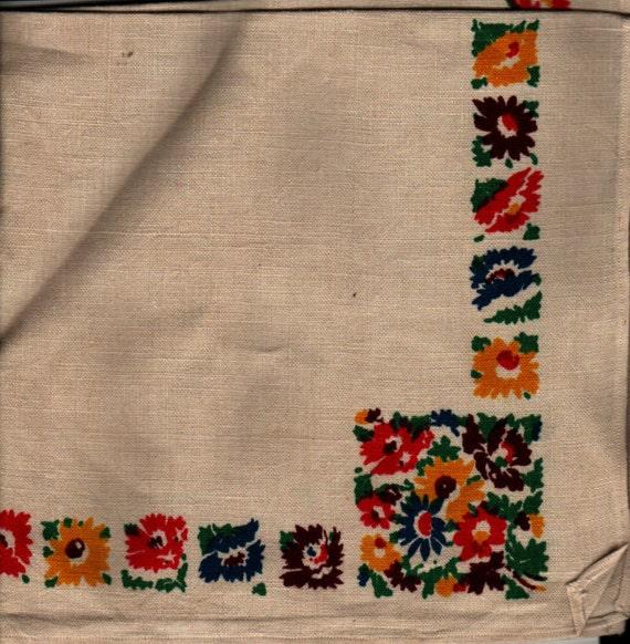 Set of 4 Linen Napkins with flower motif - Vintage Textile