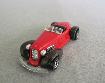 Hot Wheels Auburn 852 in Red