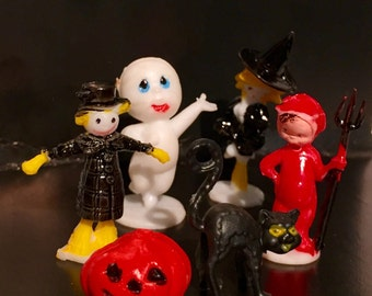 6pcs VINTAGE HALLOWEEN MINIATURES Witch Devil Cat Scarecrow Ghost Jack o' Lantern