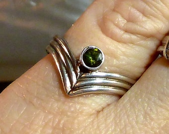 Deep Green Tourmaline V Shaped Ring Sterling Silver wide thick band faceted size 6