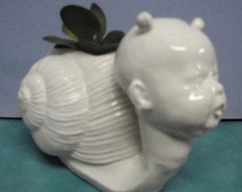 Baby Esco snail planter