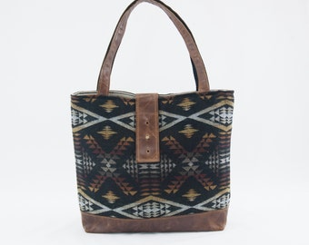 SALE! Ann Shoulder Bag in Diamond River