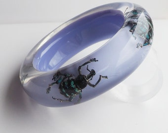 Beautiful lilac lucite bracelet with real exotic insects