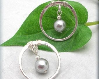 Pearl Earrings, Gray Pearl, Circle Earrings, Post Earrings, Sterling Silver, Hammered Earrings, Studs, Minimalist, Simple (SE630)