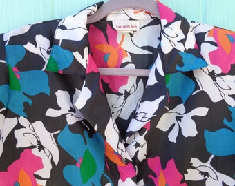 1980s vibrant floral blouse with shoulder pads Medium Large so cute