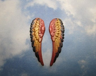 Angel Wings Saw Tooth Edge Over Iridized Reds/Golds Charms 8082s