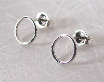 8.5mm Open Circle Stud Earrings Small Sterling Silver Earrings by SARANTOS