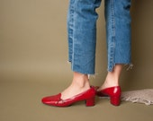margo at the beach red mod pilgrim pumps / mod loafer shoes / red pumps / 9 / 585s