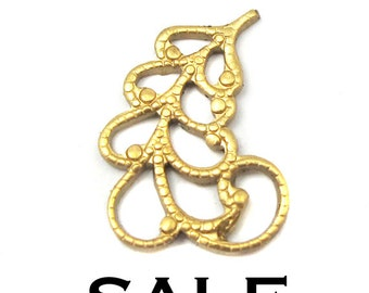 Small Brass Filigree Leaf Charms - Right facing only (8X) (V342) SALE - 25% off