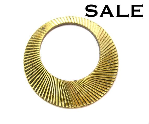 Vintage Brass Circle Hoop Pendant (4x) (V248) SALE - 25% off