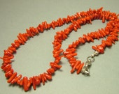 Vintage/ estate 1980s gem stone/ semi precious, branch red coral bead costume necklace - jewelry jewellery