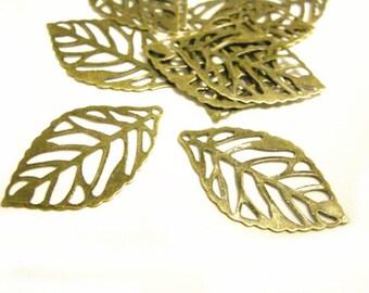 30pc 23x13mm antique bronze finish metal iron filigree leaf charm-7085