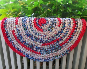 Round Rag Rug - Woven Rug - Country Home Decor - Farmhouse Decor - Country Decor - Americana - American Rag Rug - Red White & Blue Rag Rug
