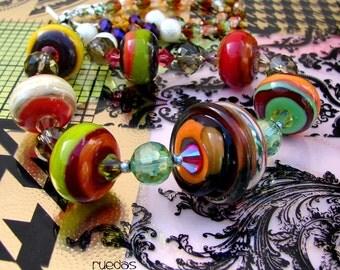 RUEDAS MURANO. Glass lampwork beads. Handmade beaded Necklace. By Openstudio. Pendant, Jewelry Art. Openstudiobeads.