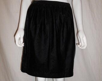 Vintage 90's black midi short velvet skirt