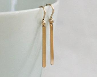 Small Gold Bar Earrings / Simple Gold Earrings / Gold Line Drop Earrings / Tiny Stick Earrings / Everyday Minimal Earrings