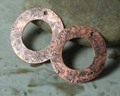 Hand hammered antique copper round disc drop size 25mm in diameter, 2 pcs (item ID XWXW00133ACK)